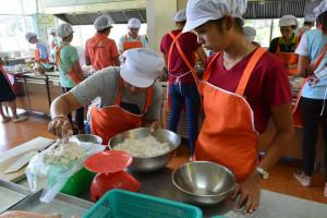 food-beverage-service-skills-training-18